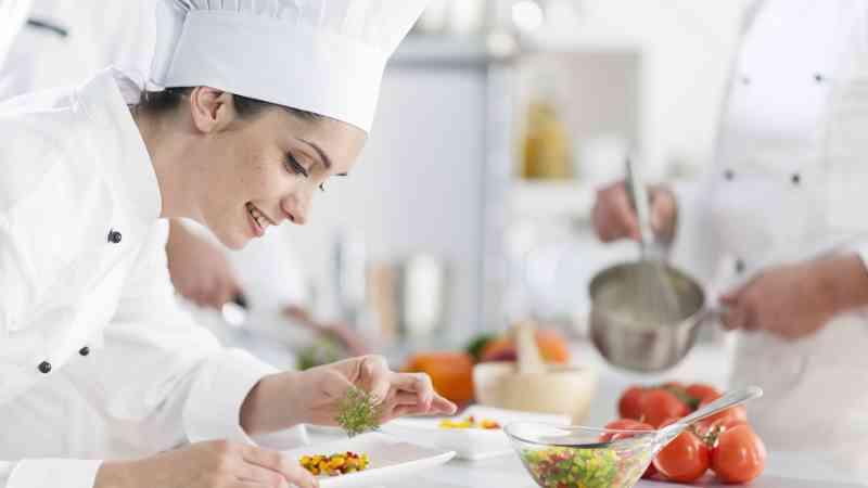 Comienzan las inscripciones para los cursos de cocina y for Cursos de ayudante de cocina